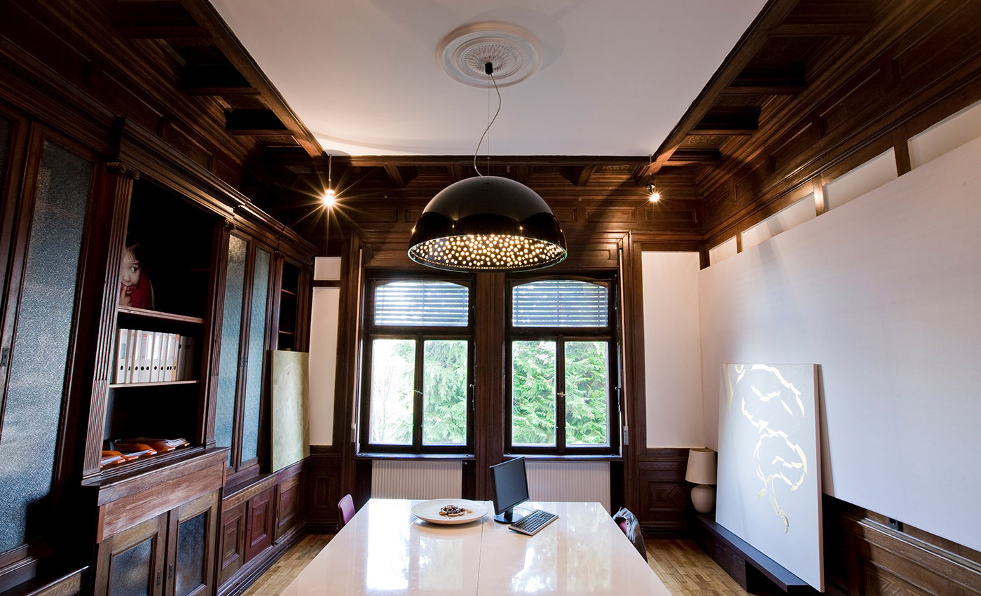 Budapest's Neuschlosz Villa: Where secrets remain…, Manooi Crystal Chandeliers