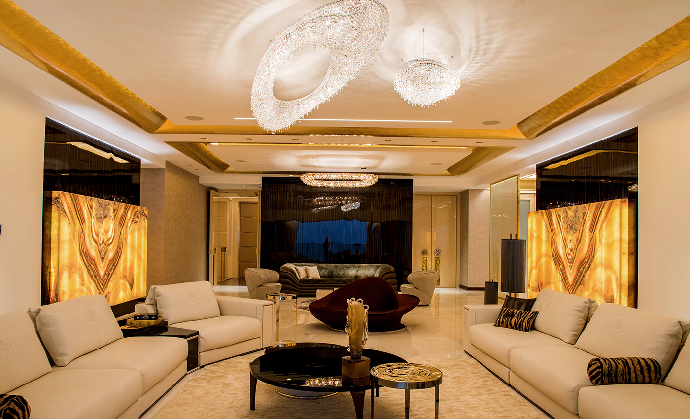Complex Geometries. Villa in Mumbai, Manooi Crystal Chandeliers