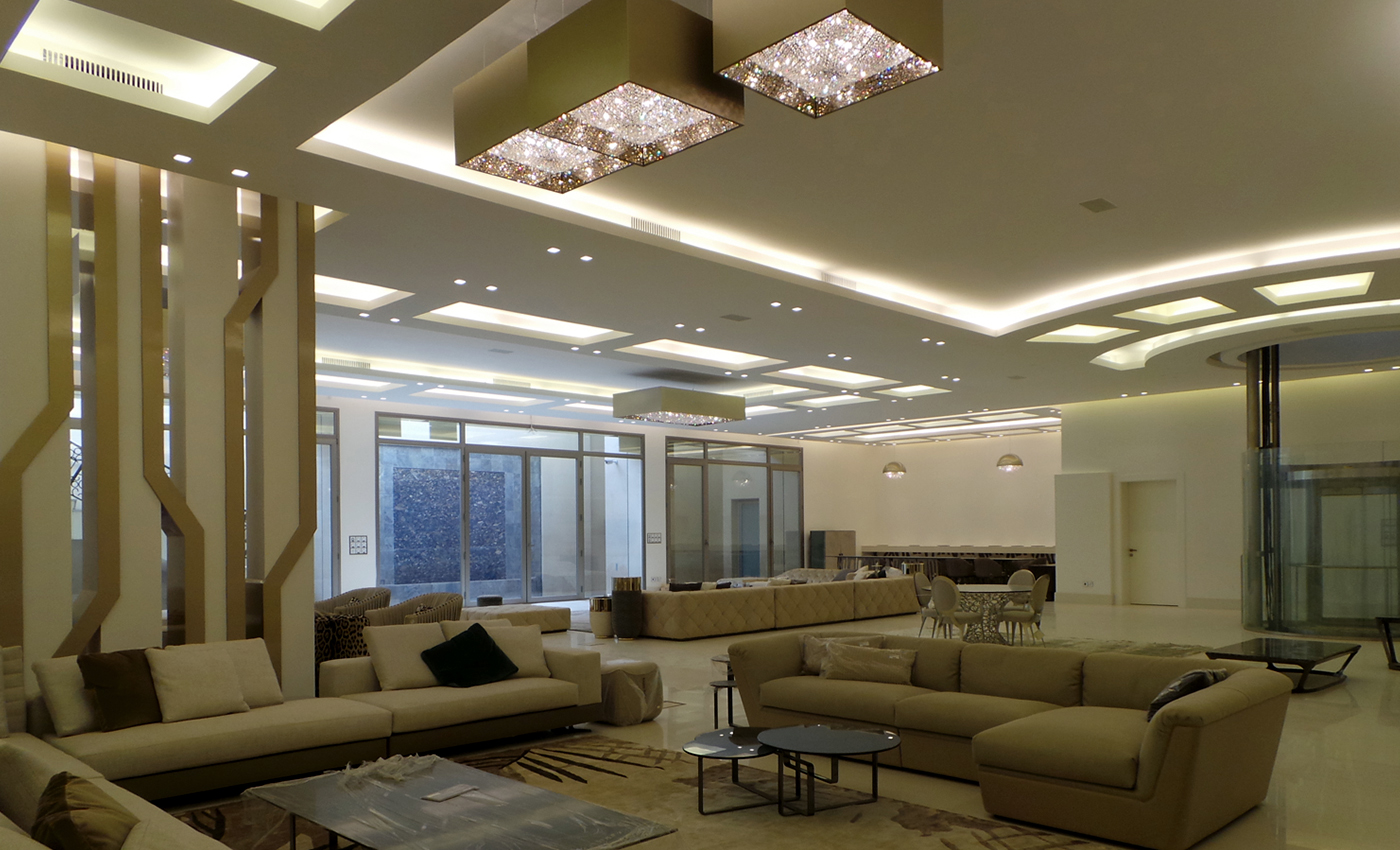 Deep Sky shines over Majlis project, Manooi Crystal Chandeliers