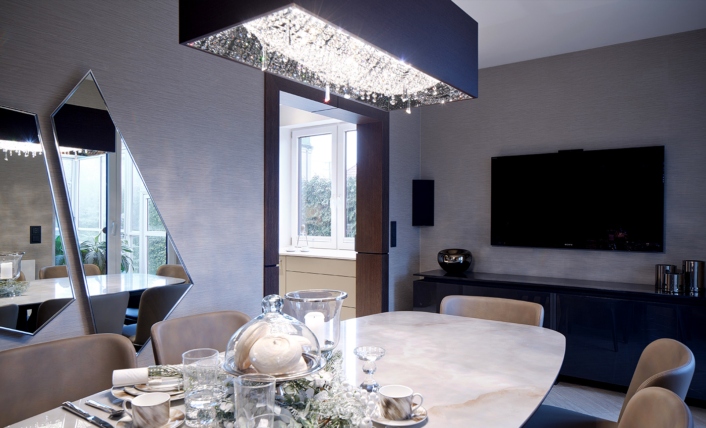 Dining under a customized DEEP SKY in Warsaw, Manooi Crystal Chandeliers