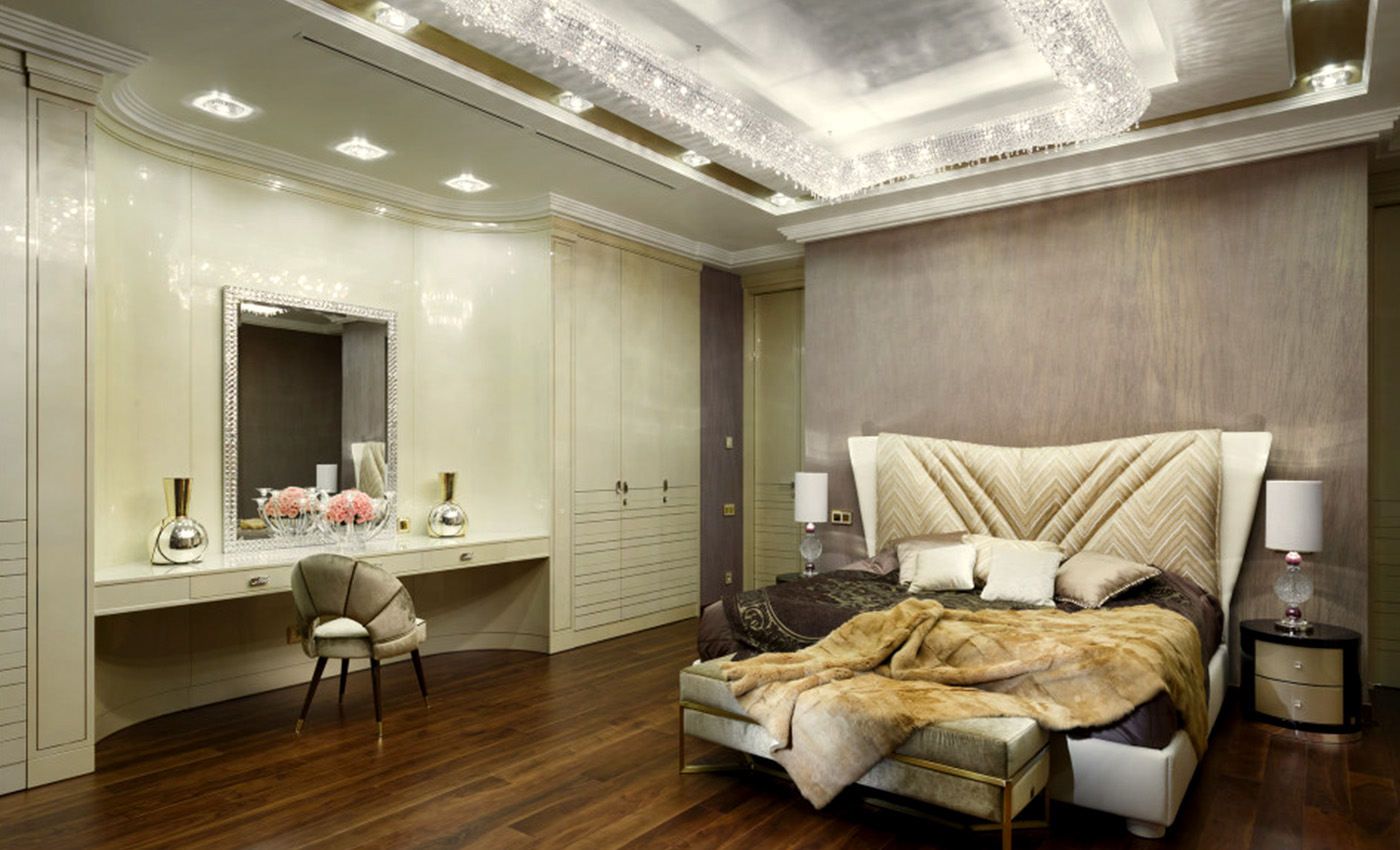 Timeless Classics. Villa in Russia, Manooi Crystal Chandeliers