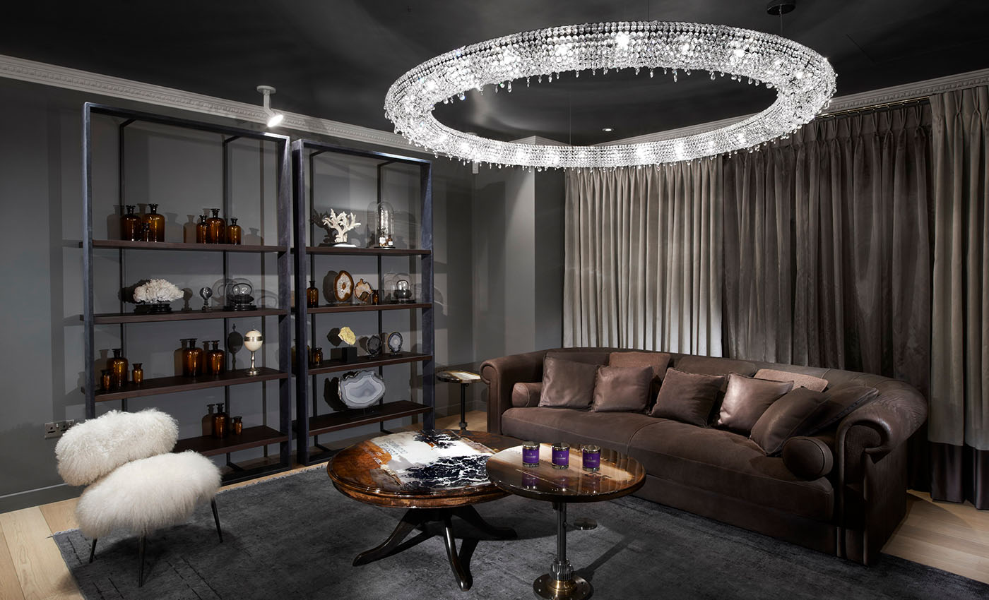 EXPERIENCE A NEW LEVEL OF DESIGN, Manooi Crystal Chandeliers