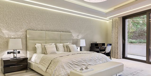 Luxury Bedroom in London, Manooi Crystal Chandeliers