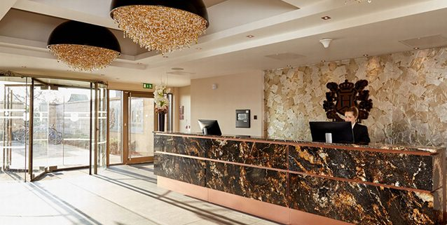 Impressive Reception – Ozero Composition in Manchester, Manooi Crystal Chandeliers