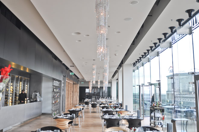 Люстры Manooi в Wolf Bracka Luxury Plaza, Manooi Crystal Chandeliers